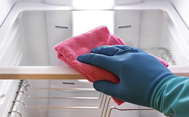 vệ sinh và bảo dưỡng tủ mát alaska