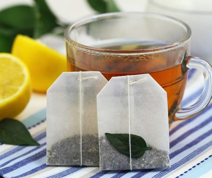 mẹo khử mùi cho tủ đông bằng chè trà