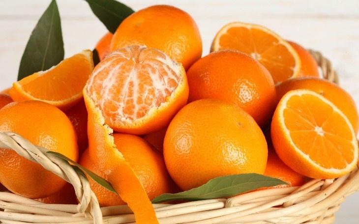 mẹo khử mùi cho tủ đông bằng vỏ cam quýt