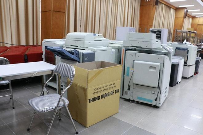 Các đề thi được in sao ở đây sau khi được rà soát sẽ được đóng thùng niêm phong chuyển đến các địa điểm thi.